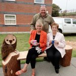 Chainsaw sculptor James Shelliker with ECLO Linda Sethi and CEO Ruth Lambert (who really doesn't like having her pic